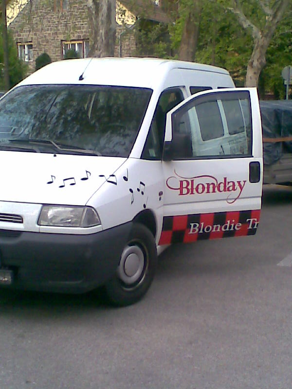 Blonday busz 1
